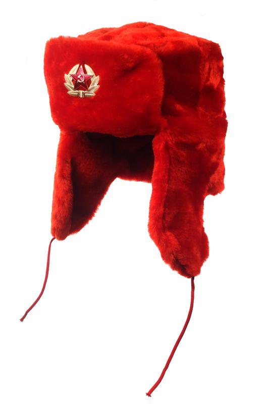 Шапка ушанка, искусственный мех. Цвет шапки красный, материал - 80...
